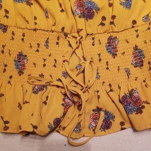 Sweet Wanderer Tops - Flower print peplum off shoulder top